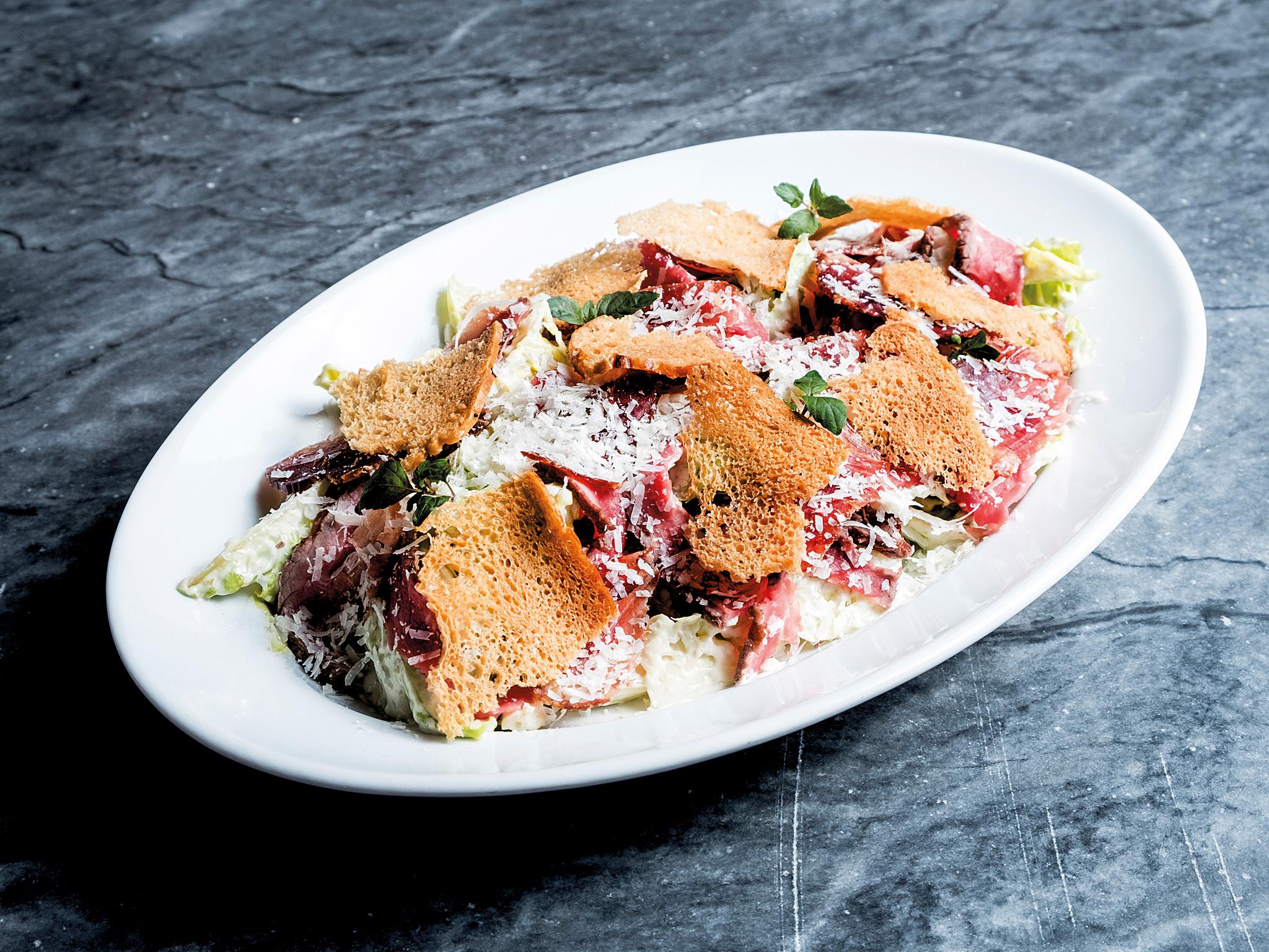 Salada de rosbife