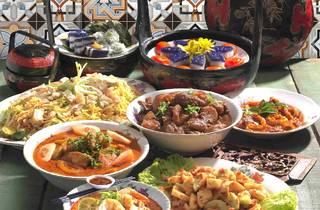 Melting Pot Café Nyonya buffet