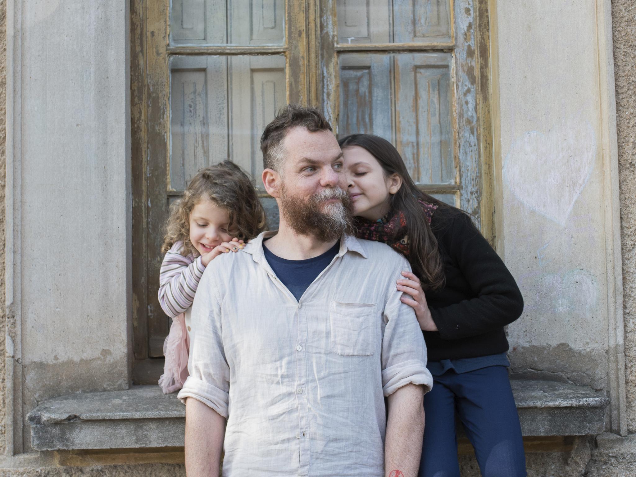 Marcos Piangers e filhas