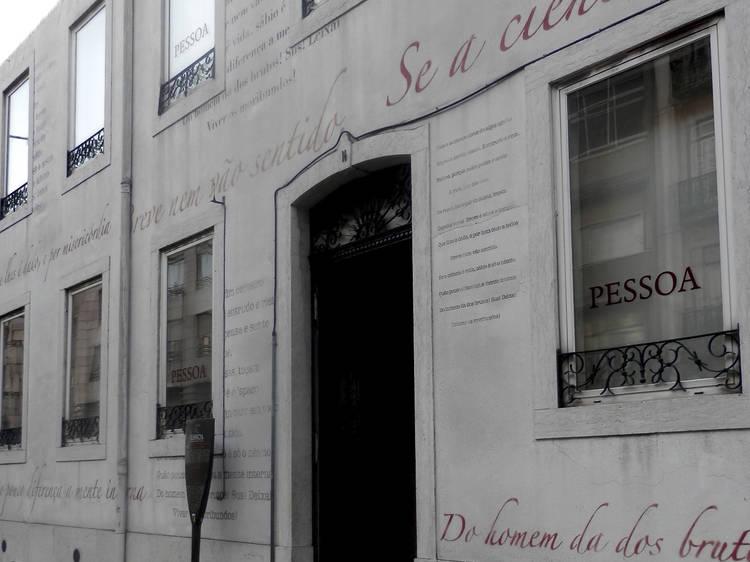 Multiplique-se em Campo de Ourique, com Fernando Pessoa