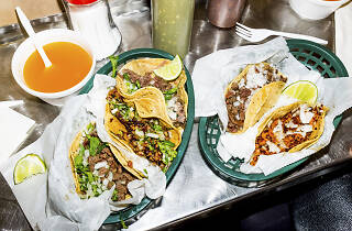 A recent survey ranks Chicago's public transit and taco options as best in the nation