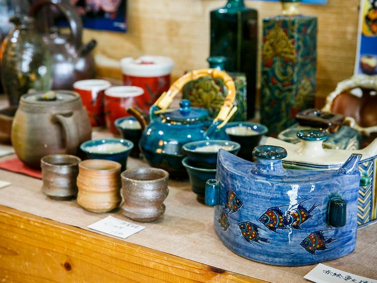 Peek at pottery...