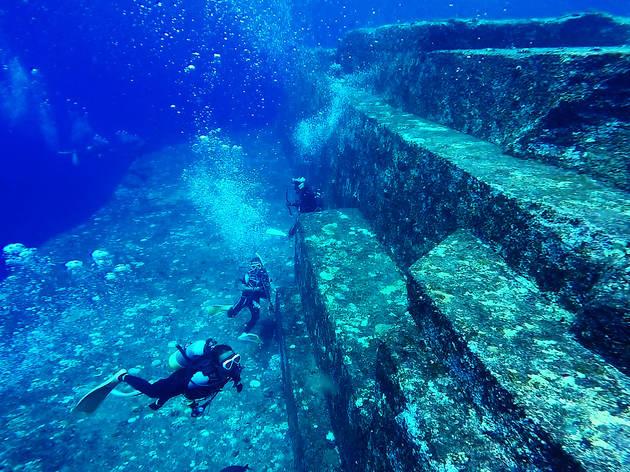 Explore underwater ruins...