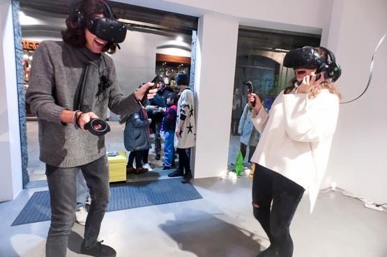 Obre la primera sala de videojocs de realitat virtual
