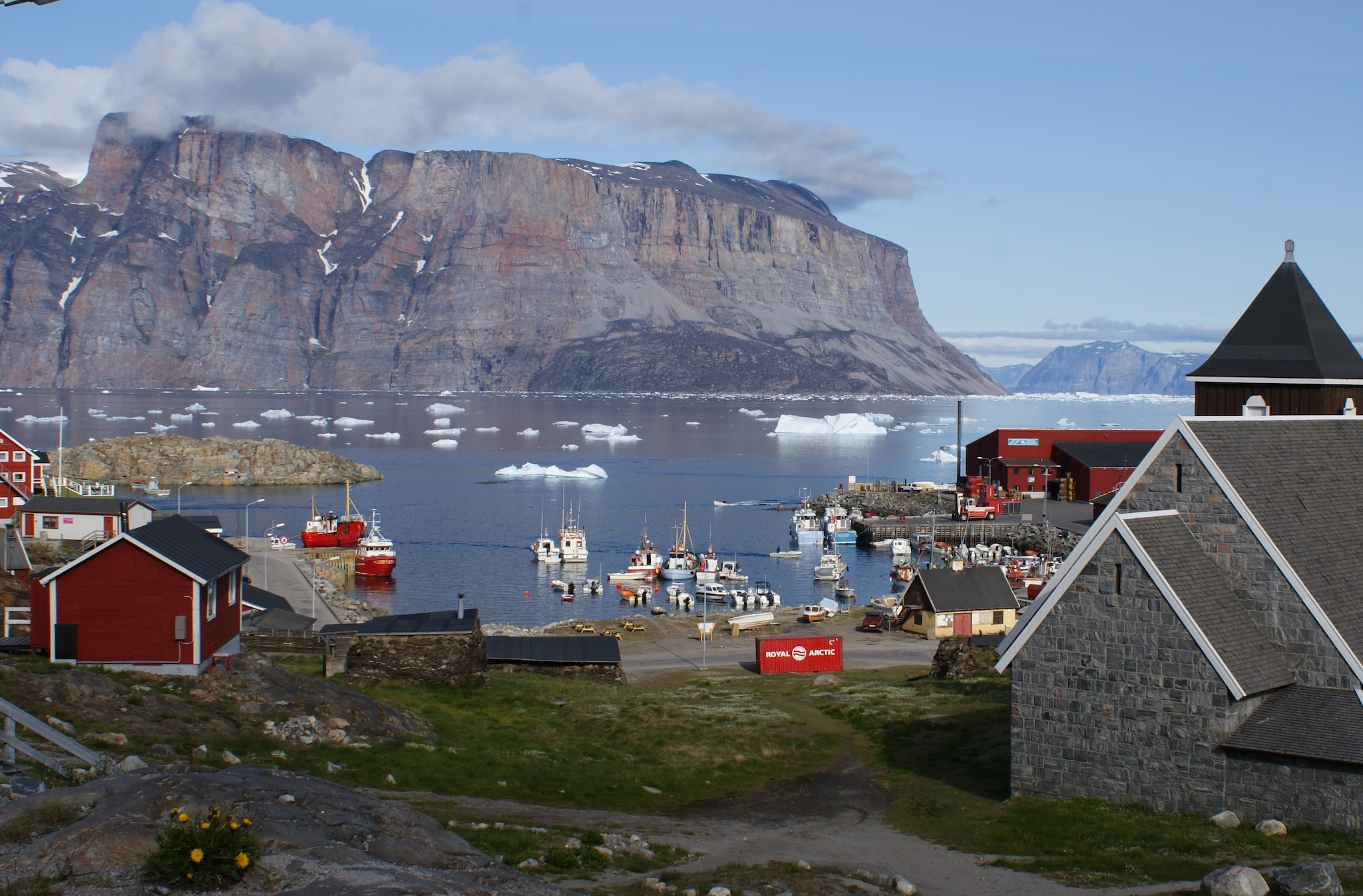 Uummannaq, Greenland, places for nighttime sun travel feature