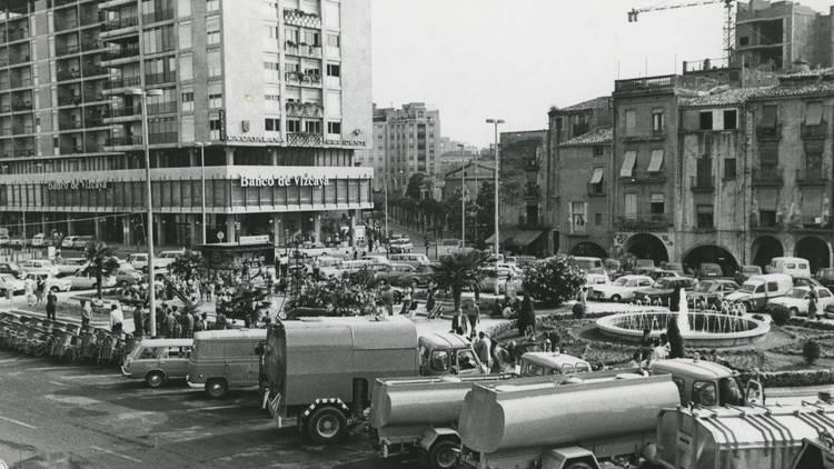 Plaça Cataunya, 1980 (© Ajuntament de Girona. CRDI (Narcís Sans Prats) )