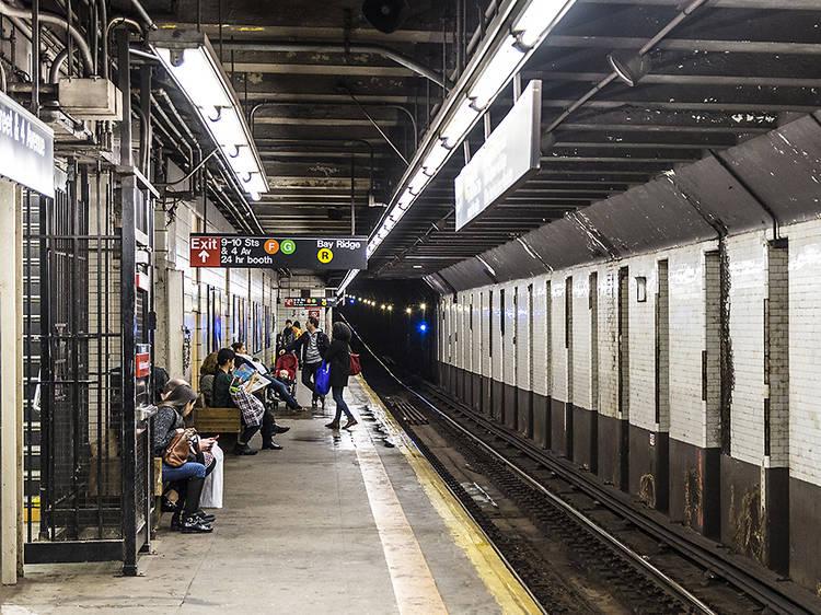 Subway stations with no countdown clock