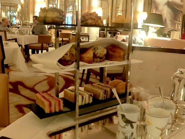 Afternoon tea at Le Meurice