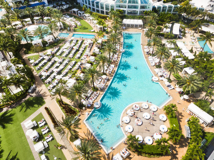 These Miami hotels are now offering day passes for their swimming pools