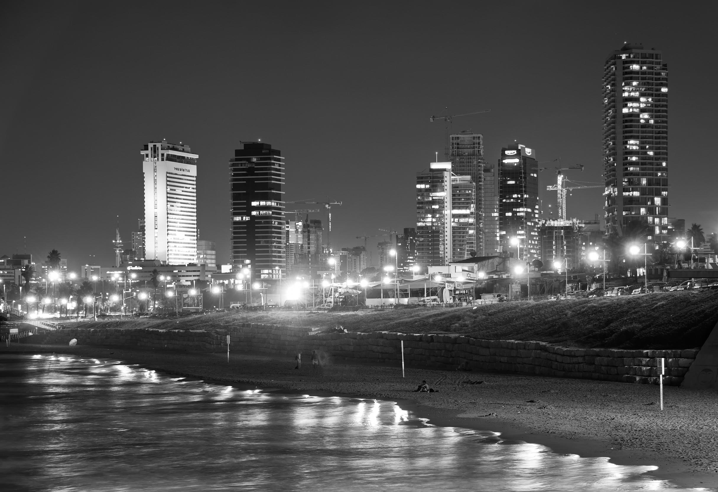 Tel Aviv White Night (Laila Lavan)