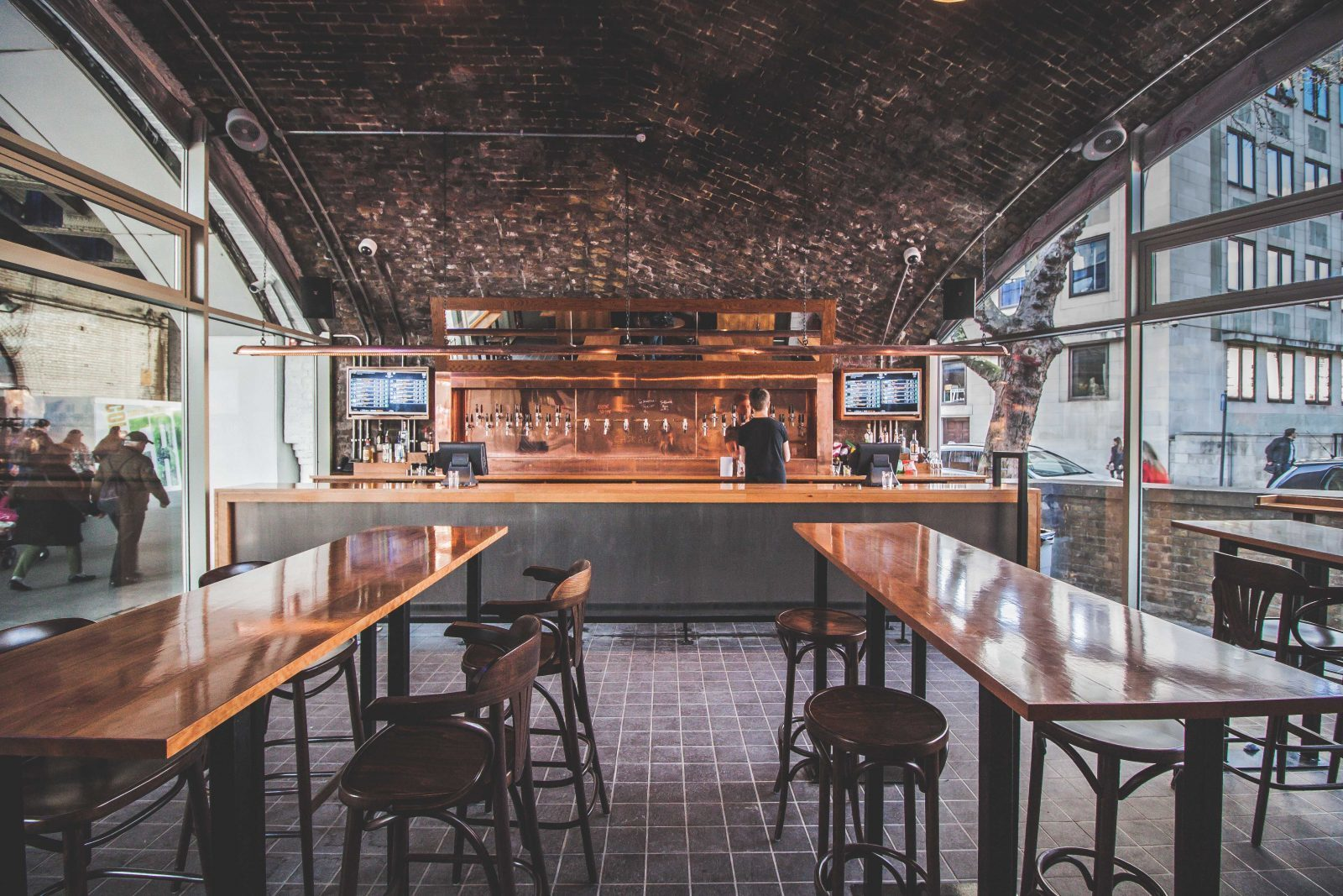 100 best bars and pubs in london, waterloo tap
