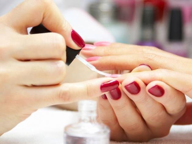 Gel Manicure and Nail Artist Course