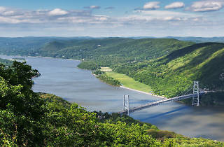 100,000 gallons of poop water flowed into the Hudson River last Sunday