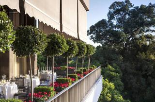 Four Seasons Hotel Ritz (©Richard Waite)