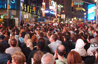 See how massive the crowd would be if every New Yorker gathered in one place