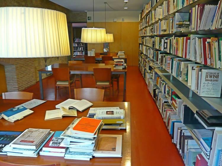 La biblioteca del Museu d'Història dels Jueus