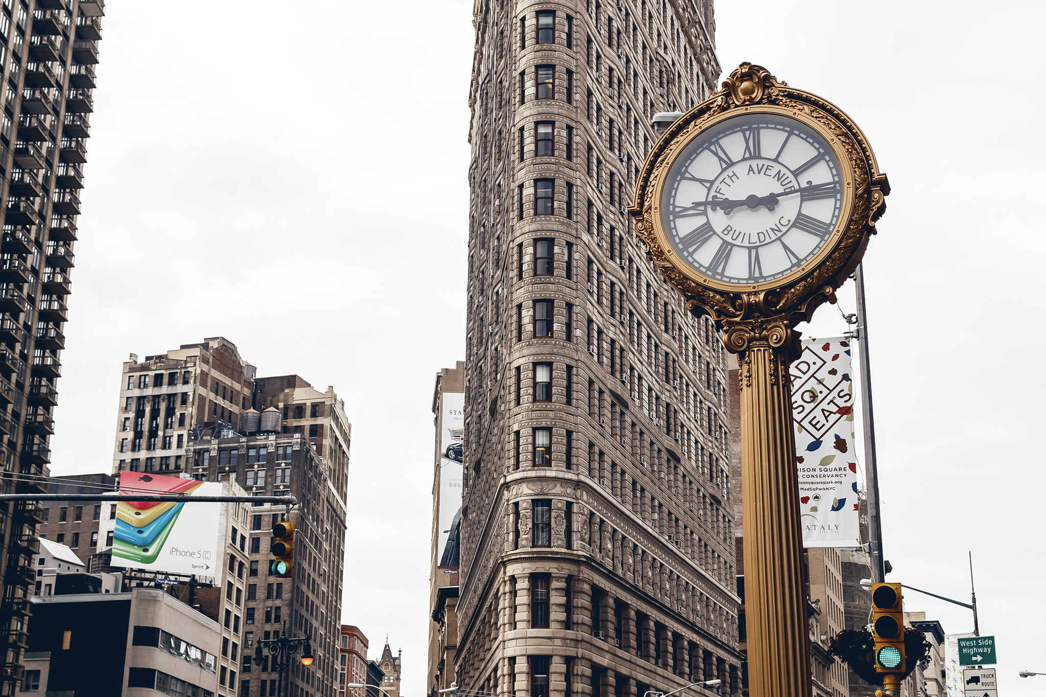 Clocks In Nyc That Are Both Iconic And Beautiful