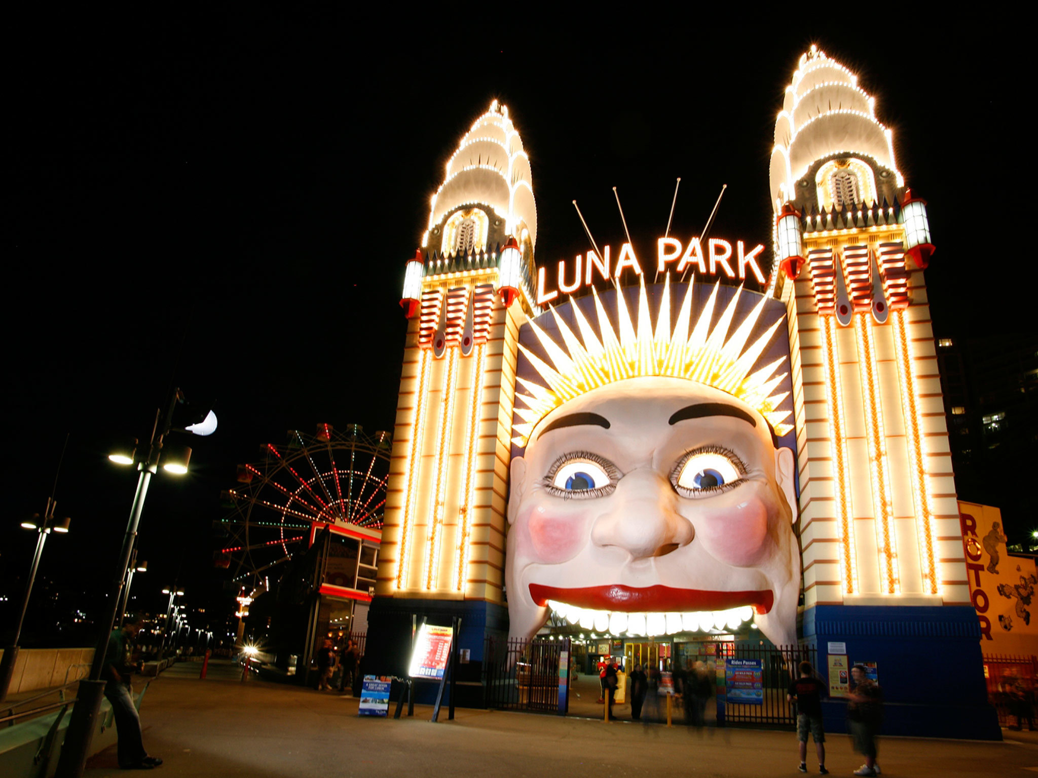 Luna Park Rooftop Cinema
