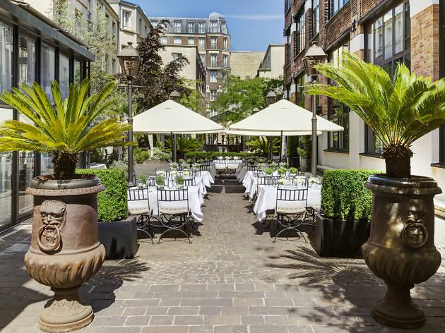 La terrasse des Jardins du Marais en thématique détox pour le printemps