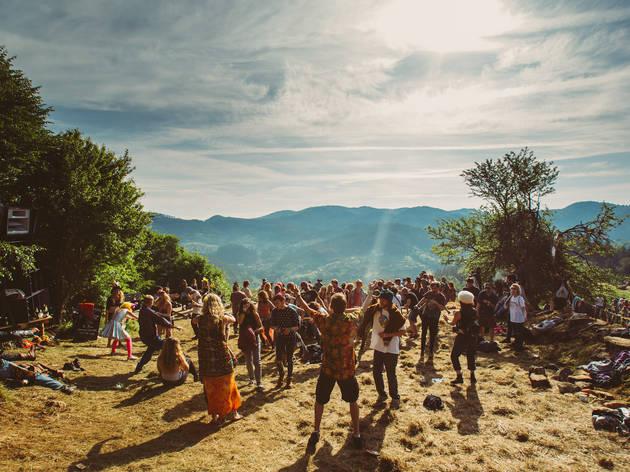 16 festivals de musiques électroniques cachés en Europe