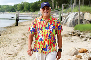 Jimmy Buffett uncages 'parrotheads'