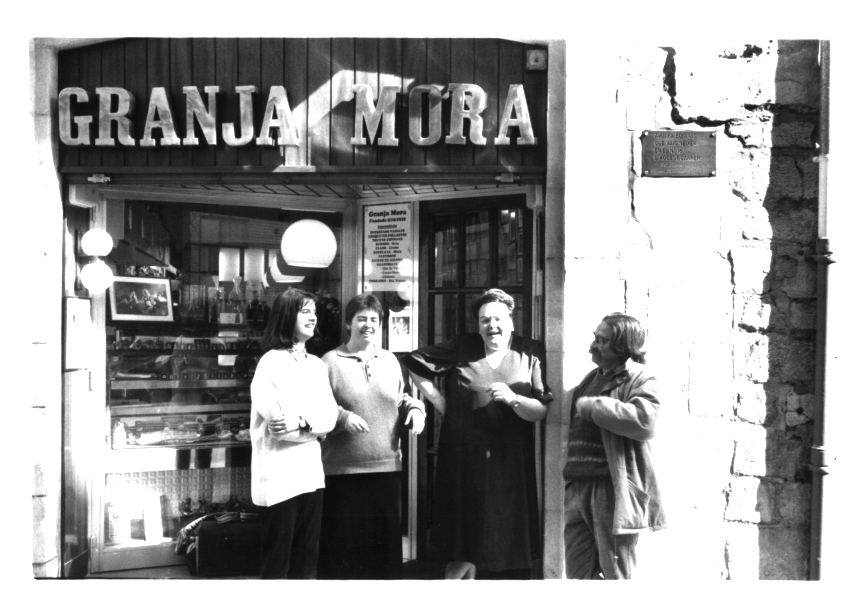 Granja Mora, 1997
