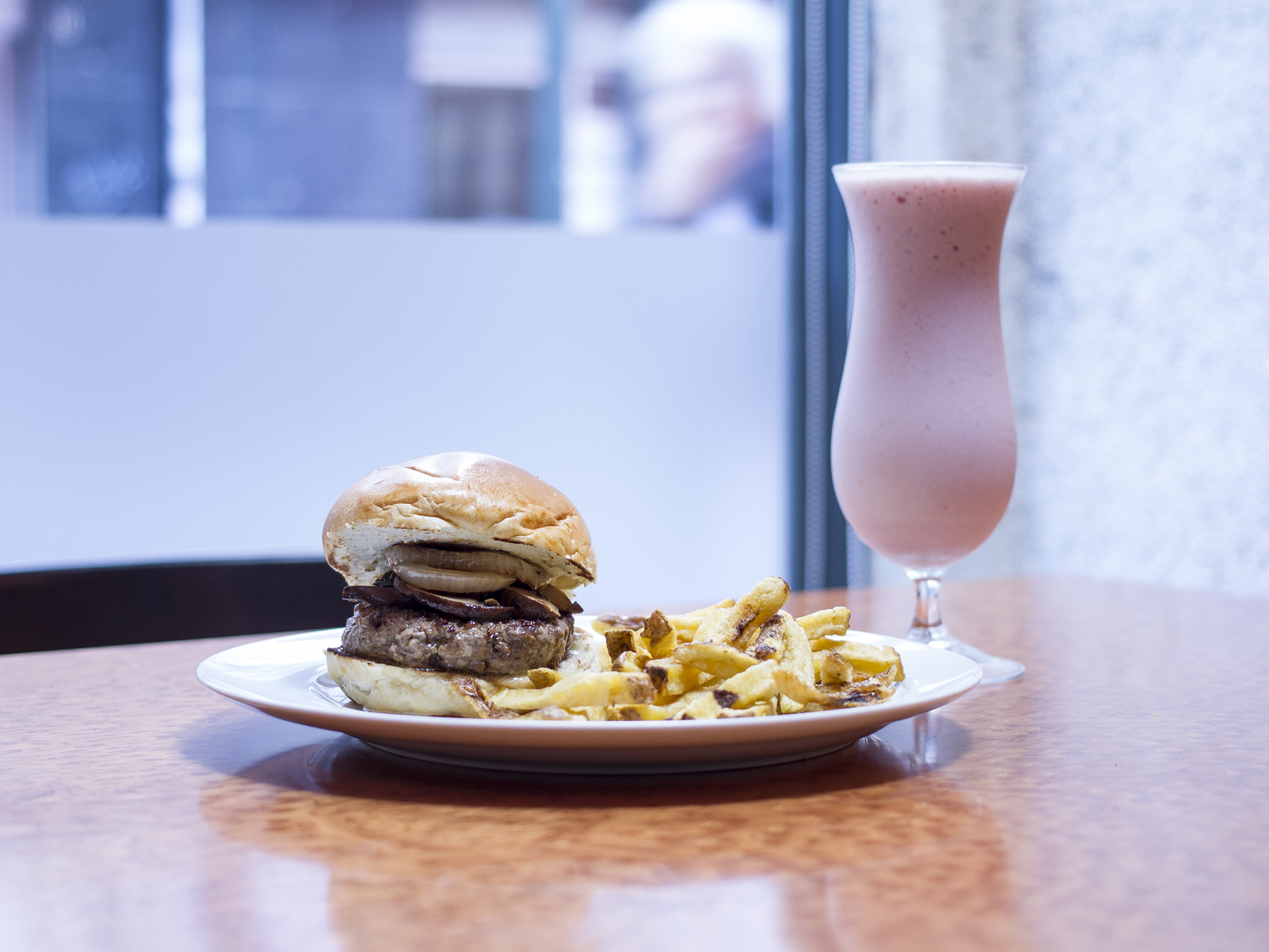Boulevard Burger House - Burger & Batido