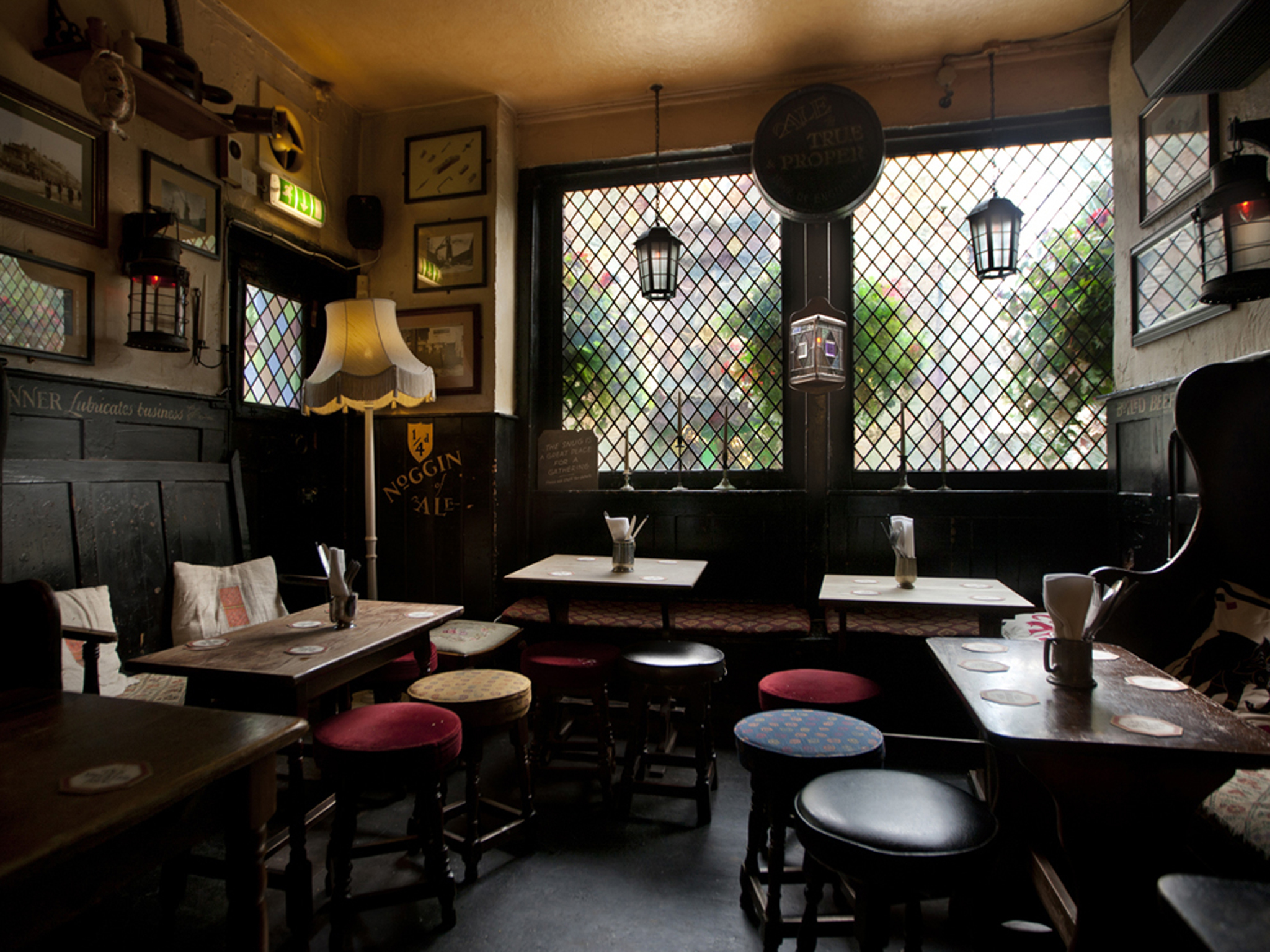 London's best historic pubs, mayflower