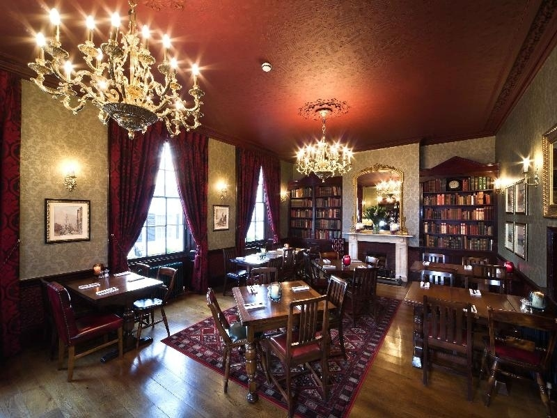 london's best historic pubs, star tavern