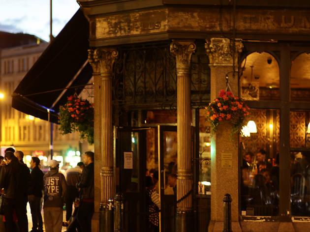 best historic pubs in london, ten bells