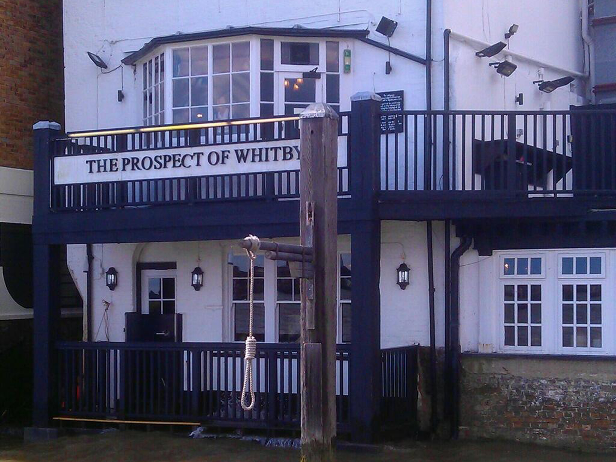 london's best historic pubs, prospect of whitby