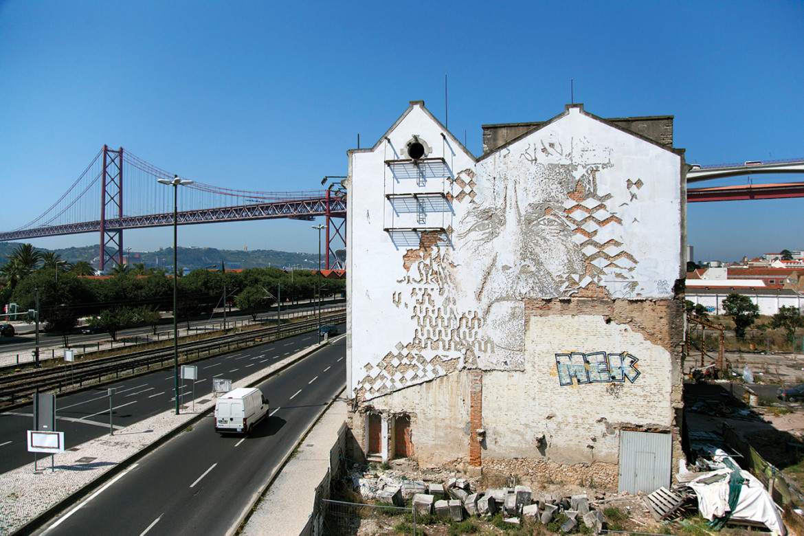 Open-air artwork to peek at and take pics in Lisbon