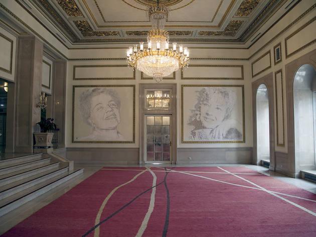 vhils, teatro d maria