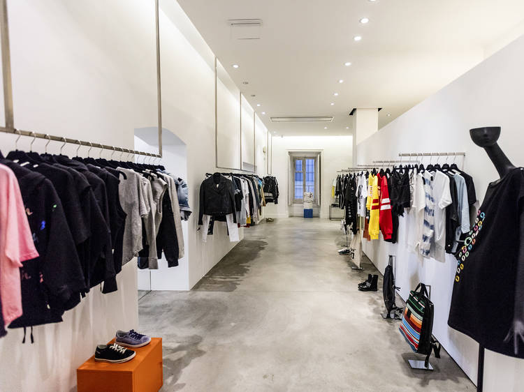 New Black Urban Concept Store