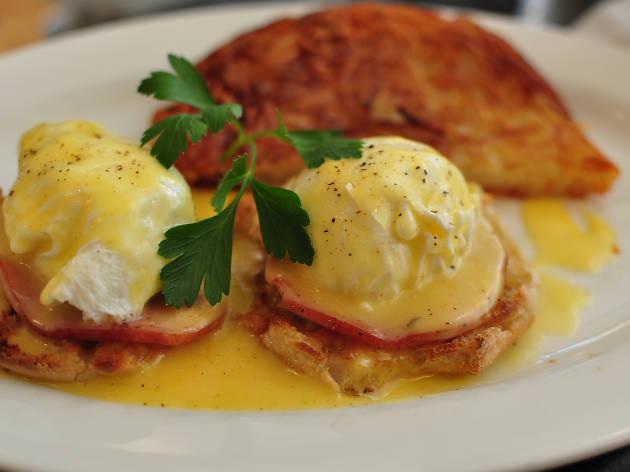 Jul 4th Brunch - Egg Benedict @ Prune