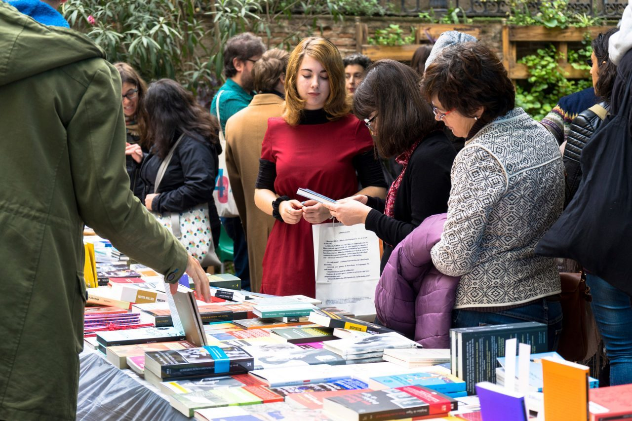 Así es como el Gremio de Libreros anima a salvar Sant Jordi