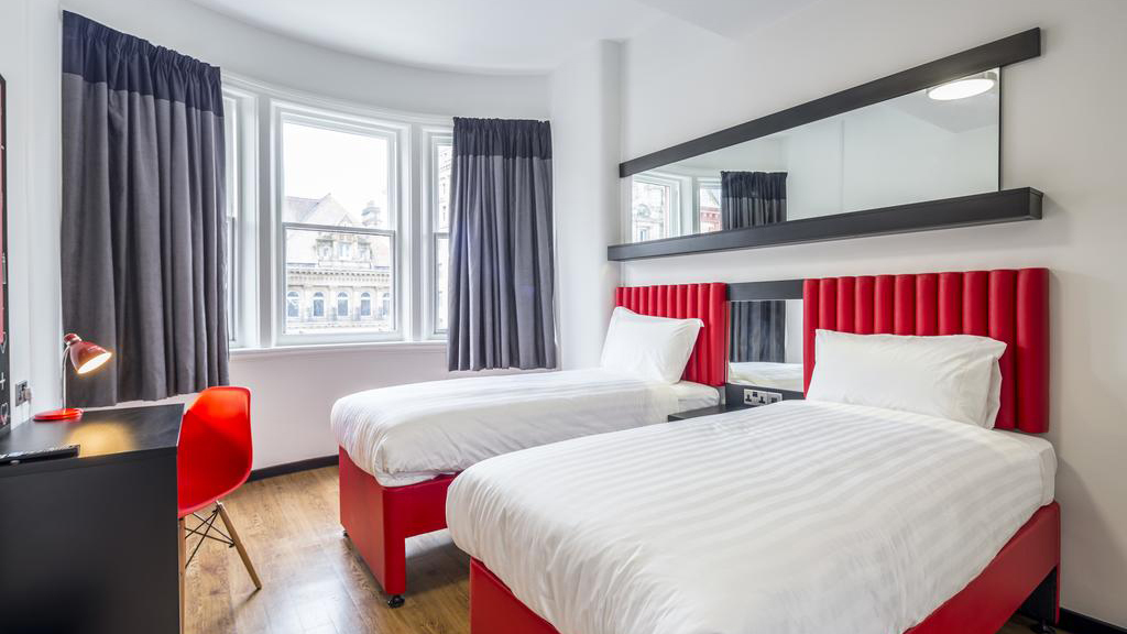 Cheap Hotels - Liverpool - Tune Hotel