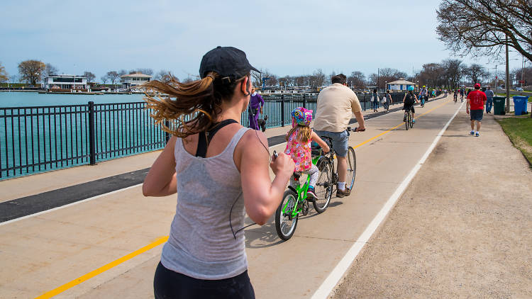Runners at Belmont Harbor