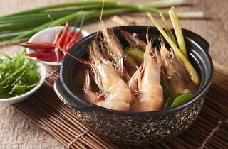 Xin Cuisine sea prawn in claypot