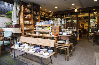 Tokyo shops with cafés | Time Out Tokyo