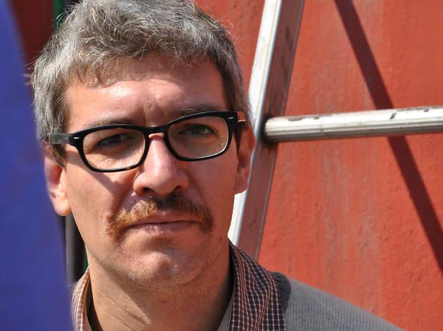 El escritor mexicano Emiliano Monge