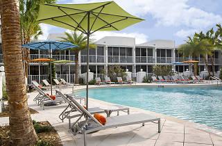 B Hotel Resort