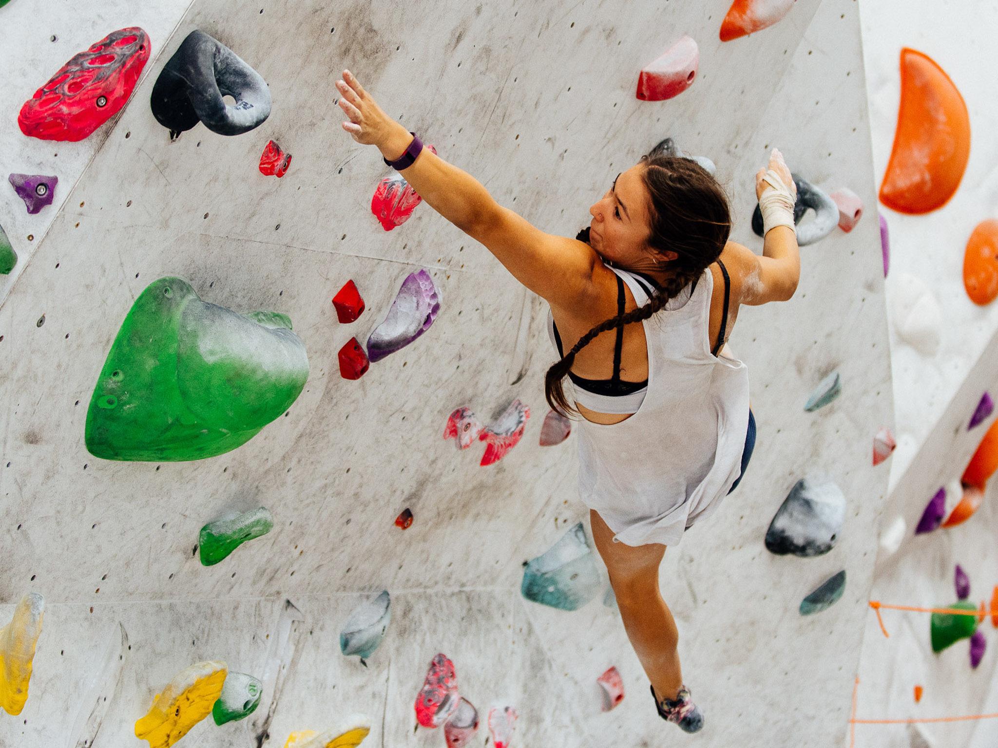 Bouldering, Rock Climbing, Woman climbing
