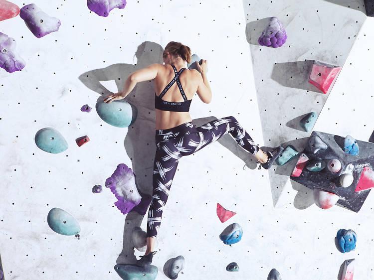 Go indoor climbing