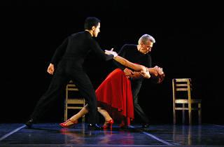 Íntimo tango en el Día internacional de la danza de la UNAM