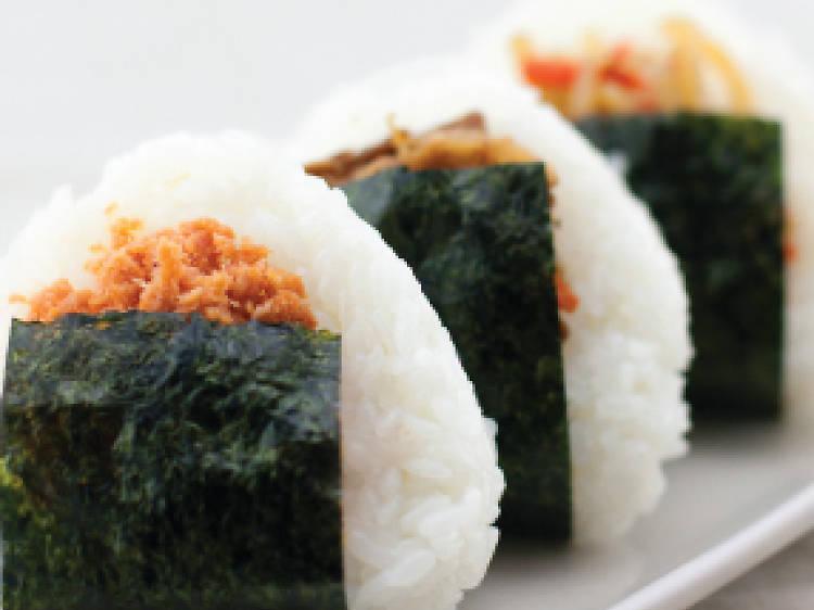 Salmon musubi at Hana-musubi