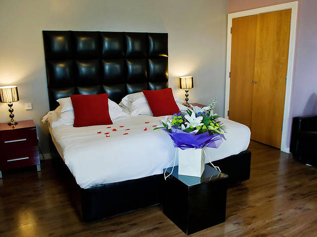 Best Hotels - Cardiff - The Royal Hotel