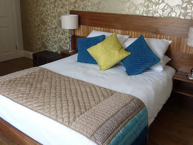 Cheap Hotels - Cardiff - Hotel One Hundred