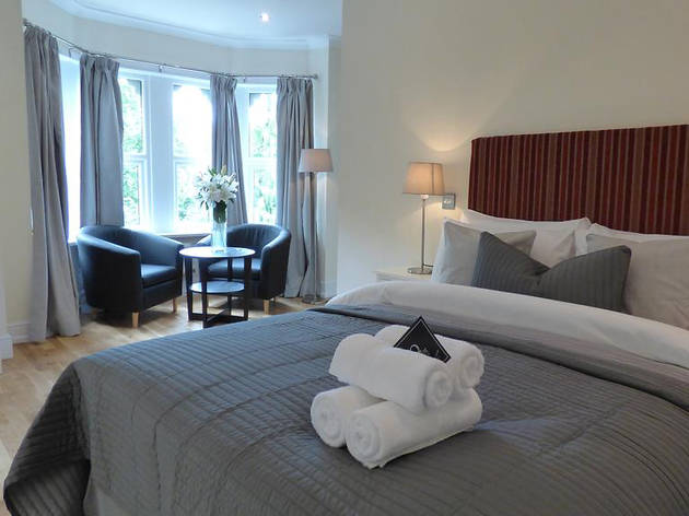 Cheap Hotels - Cardiff - The Artisan Quarter Serviced Apartments