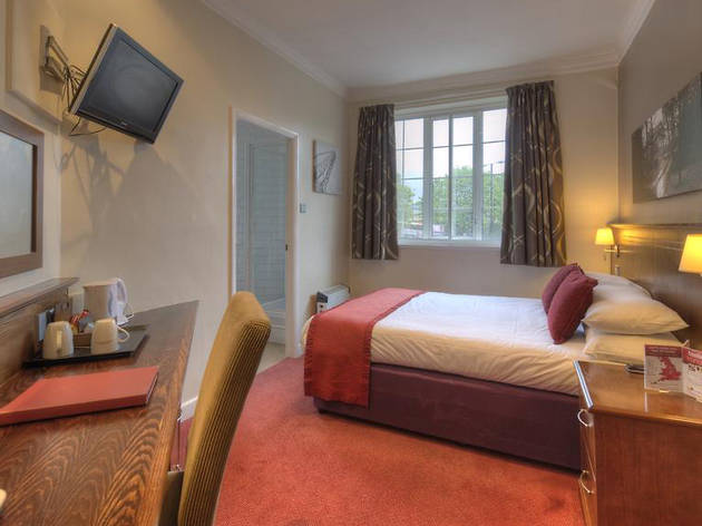 Cheap Hotels - Newcastle - Corner House Hotel